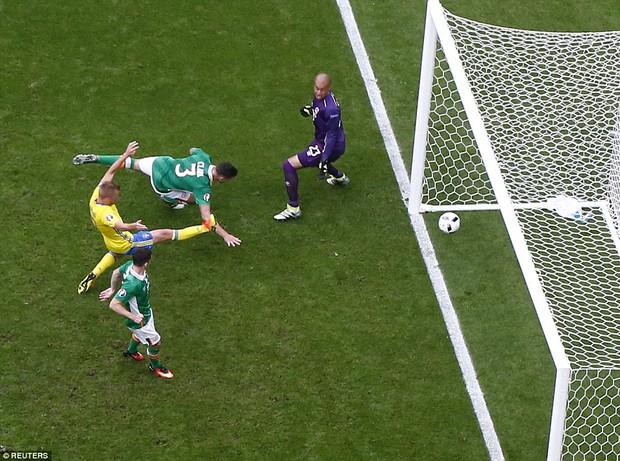 Ibrahimovic giúp Thụy Điển thoát thua trước Ireland - Ảnh 8.