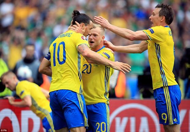 Ibrahimovic giúp Thụy Điển thoát thua trước Ireland - Ảnh 9.
