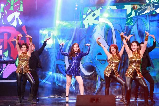 Hoài Lâm giành giải thưởng 500 triệu đồng của Bài hát yêu thích 2015 - Ảnh 16.