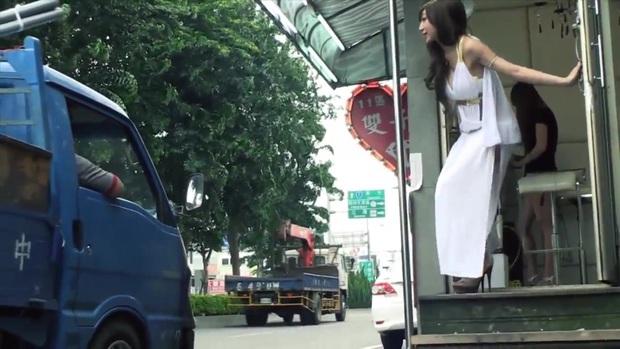 Cuộc sống ít người biết của những nàng Tây Thi bán trầu nóng bỏng trên đường phố Đài Loan - Ảnh 8.