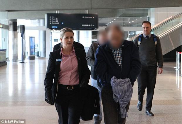 Úc: Bố cùng bạn trai bị cáo buộc cưỡng hiếp con gái 10 tháng tuổi trong 3 giờ - Ảnh 2.