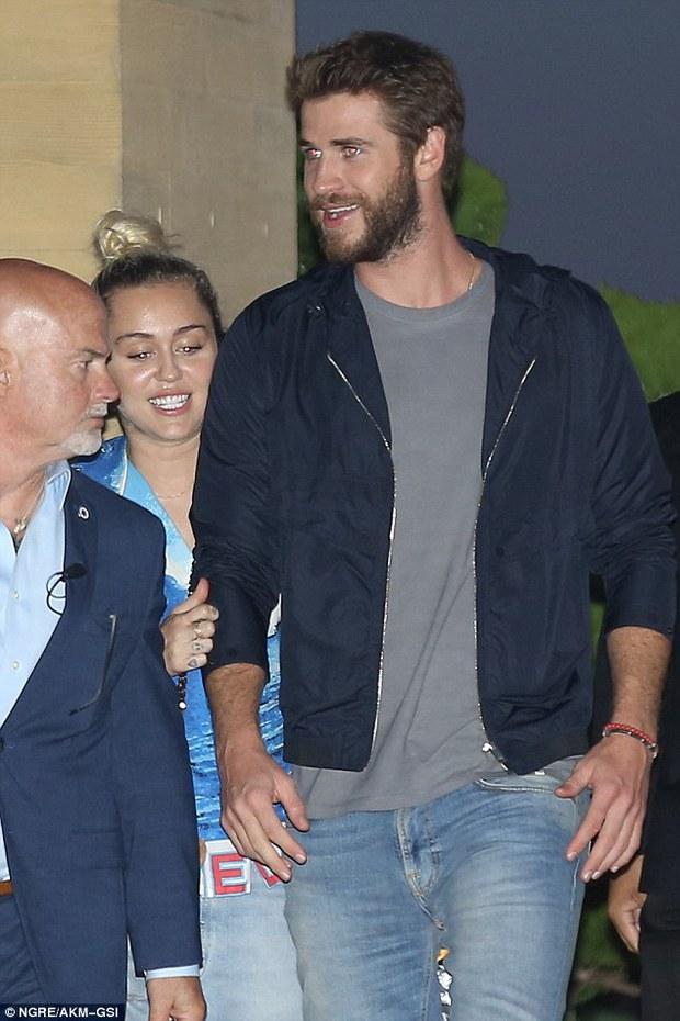 Giản dị và không ồn ào, Miley và Liam vẫn hạnh phúc đến đáng ghen tị! - Ảnh 3.