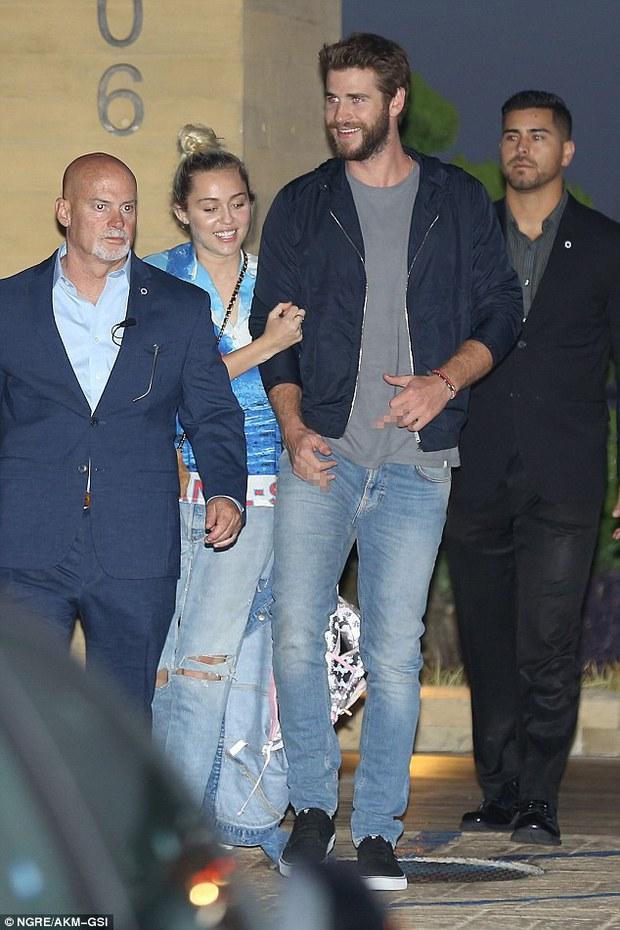 Giản dị và không ồn ào, Miley và Liam vẫn hạnh phúc đến đáng ghen tị! - Ảnh 2.