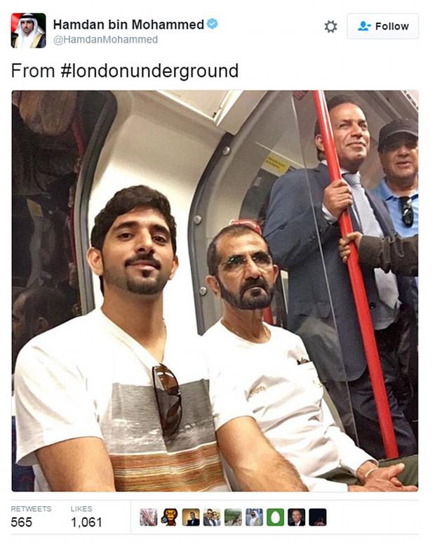 Quốc vương và Hoàng tử vạn người mê của Dubai xuất hiện giản dị trên tàu điện ngầm ở London - Ảnh 1.