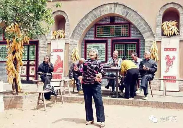 Ngôi làng kỳ lạ nhất Trung Quốc: Toàn bộ người dân đều sống dưới lòng đất - Ảnh 31.