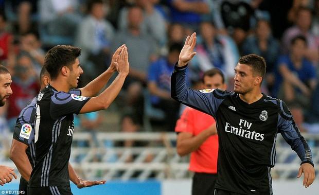 Không Ronaldo, Real Madrid vẫn dễ dàng đút túi 3 điểm trong trận mở màn mùa giải mới - Ảnh 8.