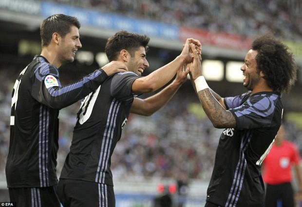 Không Ronaldo, Real Madrid vẫn dễ dàng đút túi 3 điểm trong trận mở màn mùa giải mới - Ảnh 7.