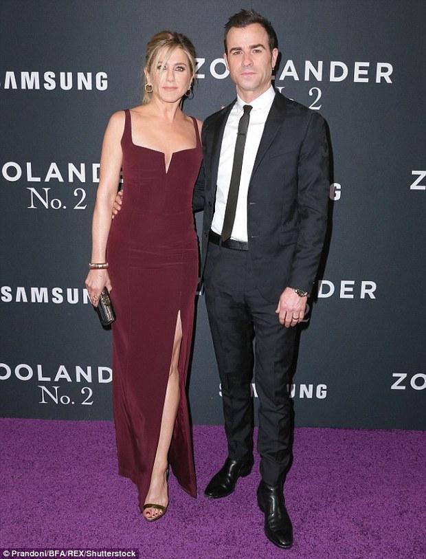 Vừa mãn nguyện vì Brangelina ly hôn, Jennifer Aniston lại bị đồn chia tay chồng - Ảnh 3.