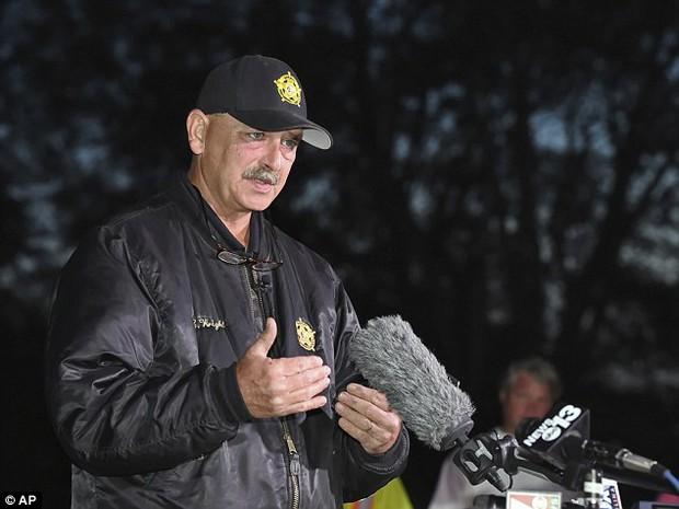 Mỹ: Cảnh sát tìm thấy thi thể thứ hai trong vụ bắt cóc, xích người như thú vật trong container - Ảnh 2.