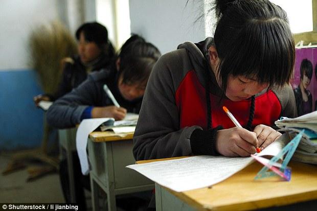 Đọc xong 4 câu hỏi này bạn sẽ hiểu tại sao đề thi Gaokao của Trung Quốc luôn được đánh giá khó nhất thế giới - Ảnh 1.