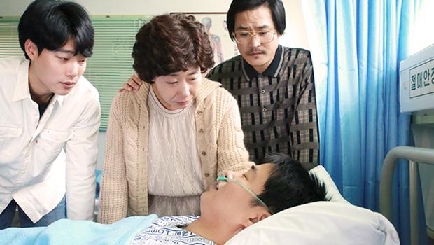 Không cần đợi ngày 8/3, hãy ôm Mẹ cùng xem 7 bộ phim Hàn tuyệt hay này! - Ảnh 5.