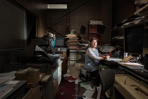 Nhật Bản: Người dân Fukushima trở lại thành phố ma trong loạt hình đầy ám ảnh - Ảnh 4.