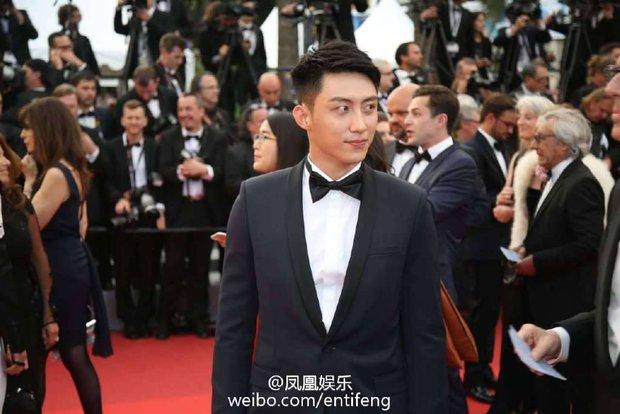 Thảm đỏ LHP Cannes ngày thứ 2: Hoàng Cảnh Du cuối cùng cũng xuất hiện rồi! - Ảnh 5.