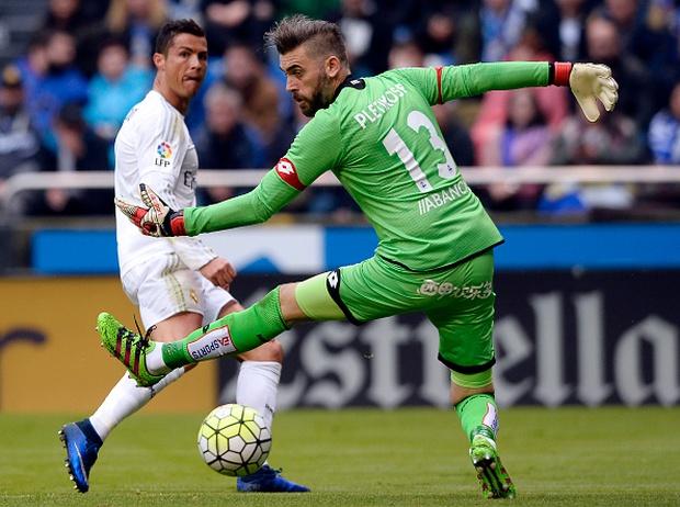 Ronaldo lập siêu kỷ lục, Real Madrid vẫn ngậm ngùi về nhì ở La Liga - Ảnh 5.