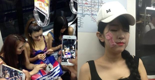 Các cô gái xinh đẹp hồn nhiên đắp bao cao su ngay giữa tàu điện ngầm - Ảnh 2.