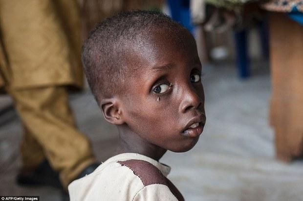 Trong khi bao người nghèo đang chết đói, người ta vẫn vô tư vứt đồ ăn đầy lãng phí - Ảnh 7.