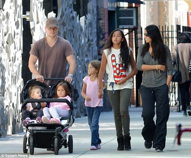 Matt Damon - Viên ngọc giản dị được cưng chiều của Hollywood - Ảnh 10.