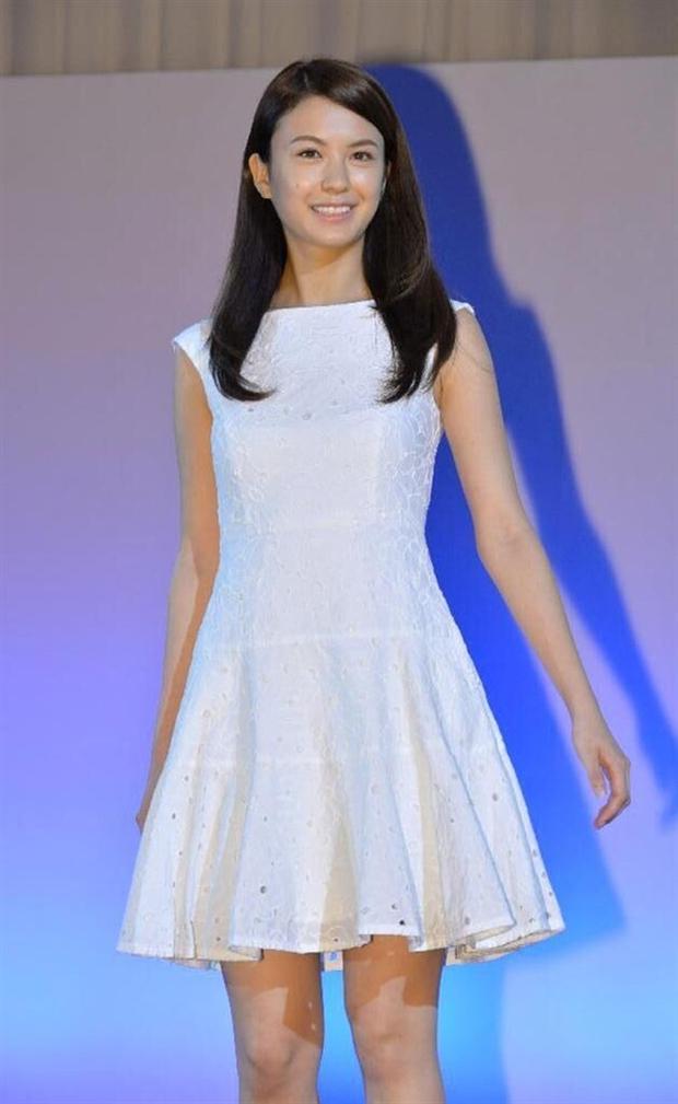 Đây là nhan sắc của những Nữ sinh 20 tuổi xinh đẹp nhất Nhật Bản - Ảnh 8.