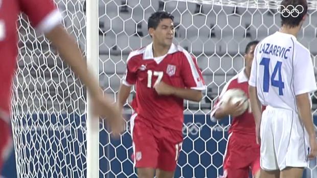 Cú sút penalty lâu la bậc nhất lịch sử bóng đá thế giới - Ảnh 4.
