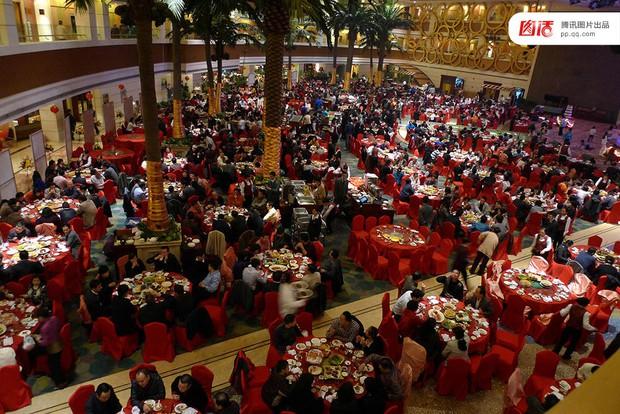 Những đám cưới toàn vàng ròng ở Trung Quốc luôn khiến người ta phải choáng ngợp - Ảnh 4.