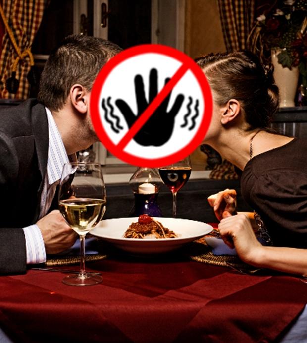 Nhà hàng từ chối phục vụ cặp đôi dịp Giáng sinh vì sợ nhân viên F.A bị tủi thân - Ảnh 2.