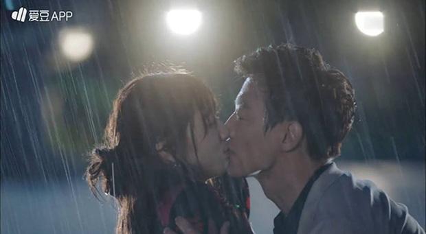 Đêm Giáng Sinh, cùng ngắm 10 nụ hôn của màn ảnh Hàn năm 2016 từng khiến bạn rung rinh - Ảnh 6.