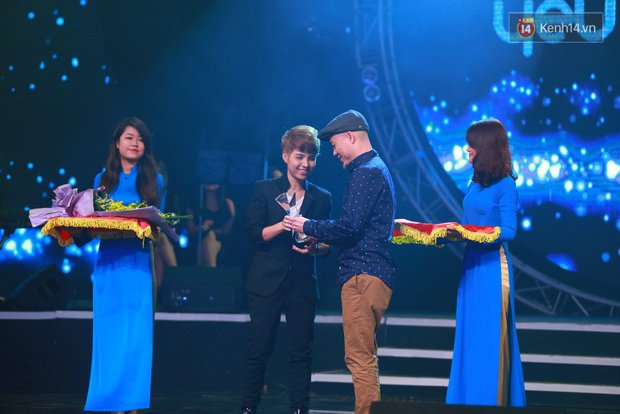 Hoài Lâm giành giải thưởng 500 triệu đồng của Bài hát yêu thích 2015 - Ảnh 4.