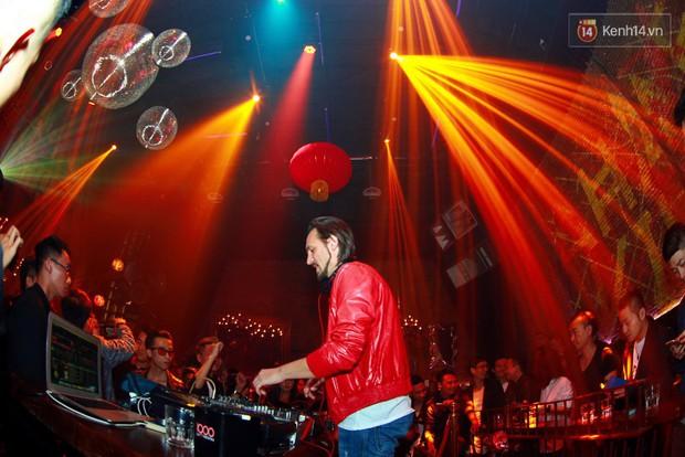 Khán giả Hà Nội hoài niệm trong đêm nhạc Deep House bay bổng cùng DJ Ahmet Kilic - Ảnh 12.