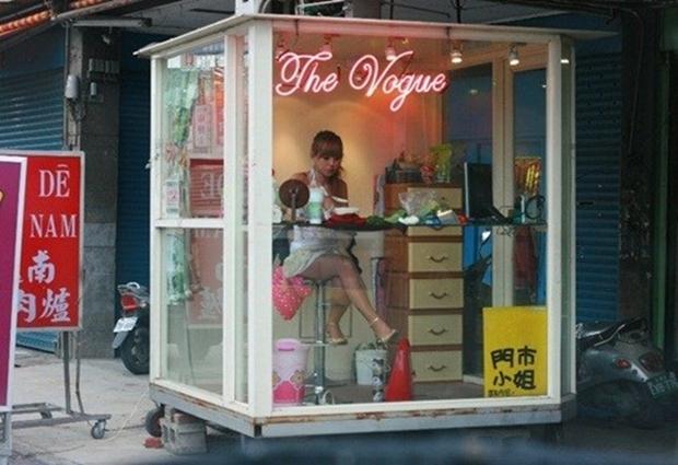 Cuộc sống ít người biết của những nàng Tây Thi bán trầu nóng bỏng trên đường phố Đài Loan - Ảnh 18.