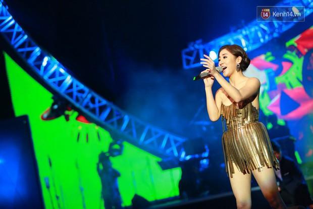 Hoài Lâm giành giải thưởng 500 triệu đồng của Bài hát yêu thích 2015 - Ảnh 8.