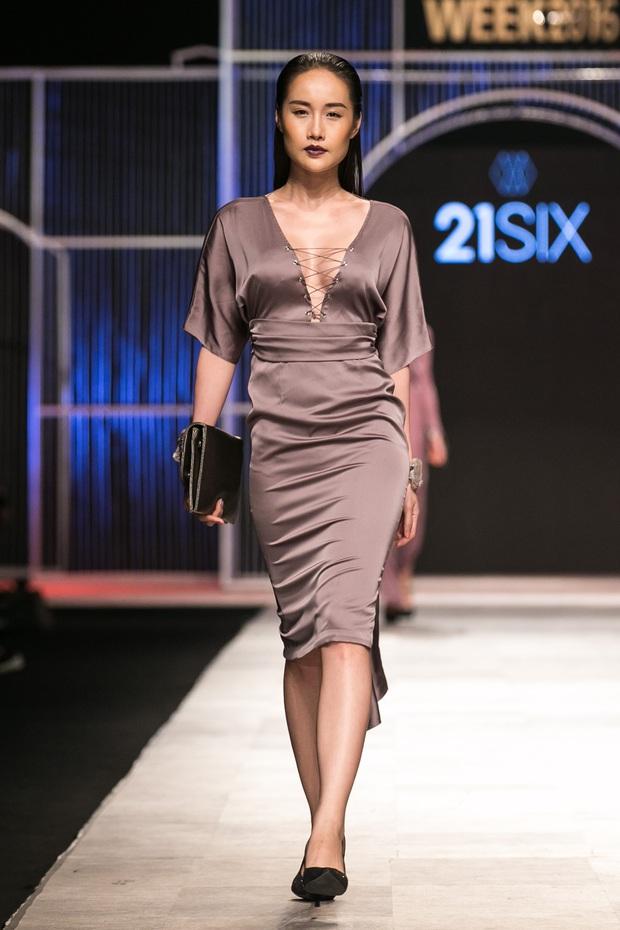 Phí Phương Anh lại xuất hiện trên sàn diễn thời trang, đọ trình catwalk cùng đàn chị - Ảnh 21.