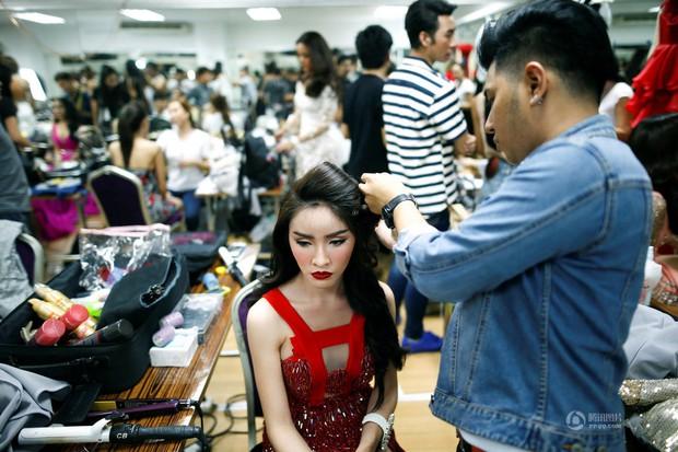 Chùm ảnh: Hậu trường cuộc thi Hoa hậu chuyển giới được quan tâm nhất Thái Lan - Ảnh 6.