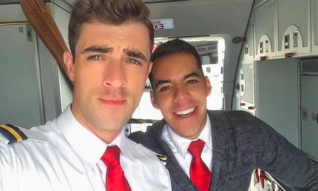Anh chàng phi công siêu đẹp trai với body 6 múi đang làm dậy sóng Instagram  - Ảnh 7.