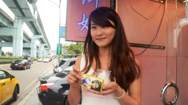 Hàng loạt hotgirl bán trầu đứng trước nguy cơ mất việc ở Đài Loan - Ảnh 6.