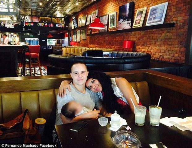 Chồng mang thai cho vợ: niềm hạnh phúc của cặp vợ chồng chuyển giới sinh con đầu lòng - Ảnh 4.