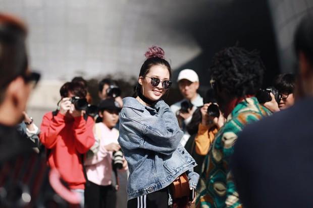 Châu Bùi & Cao Minh Thắng ton-sur-ton, Min diện quần một mất một còn tại Seoul Fashion Week ngày 3 - Ảnh 14.