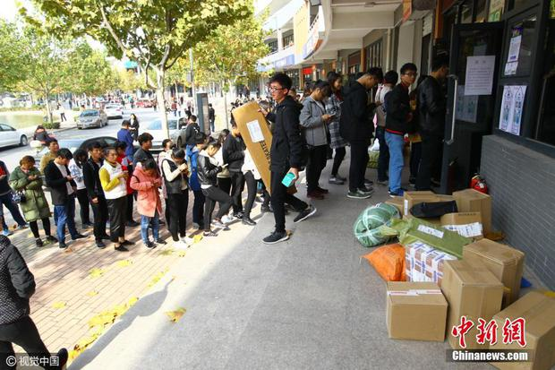 Những cảnh tượng chỉ có trong ngày độc thân 11/11 ở Trung Quốc - Ảnh 23.