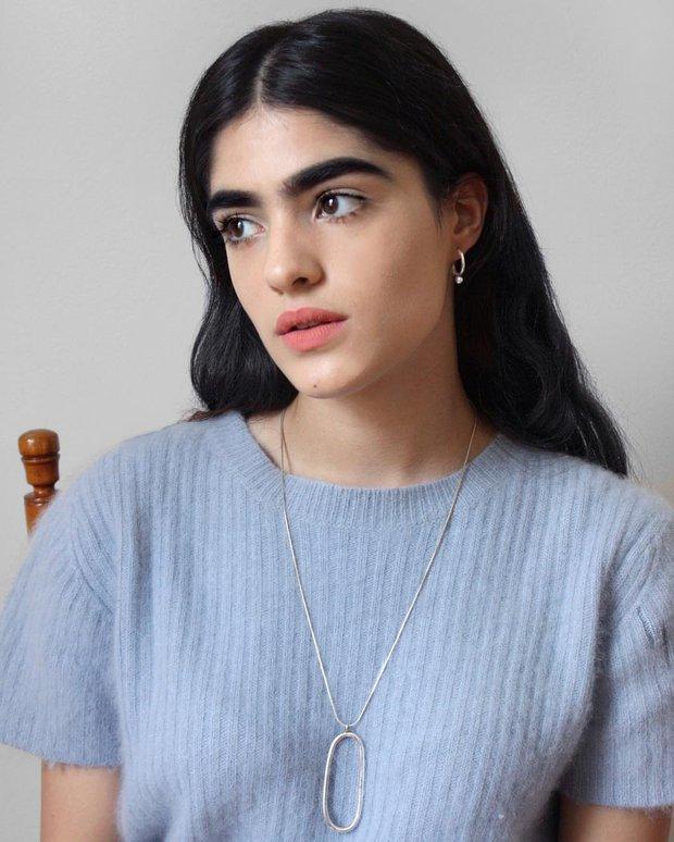 Sau bao năm tự ti vì lông mày sâu róm, người mẫu 17 tuổi ước: Giá như tôi biết trân trọng nó sớm hơn - Ảnh 7.