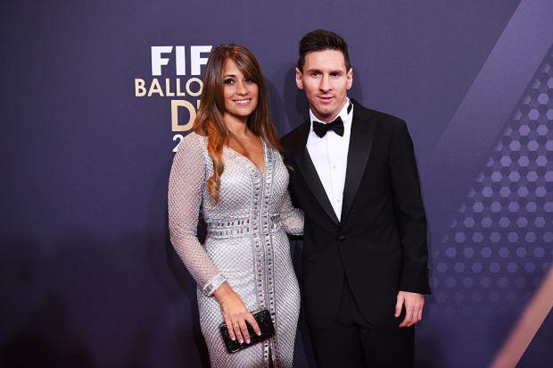 Vợ Messi mở shop quần áo trẻ em ở quê nhà Argentina - Ảnh 1.