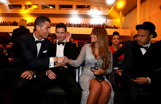 Ronaldo bất ngờ đòi tiền Neymar và Messi - Ảnh 3.