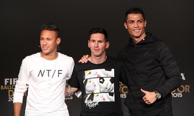 Ronaldo bất ngờ đòi tiền Neymar và Messi - Ảnh 2.