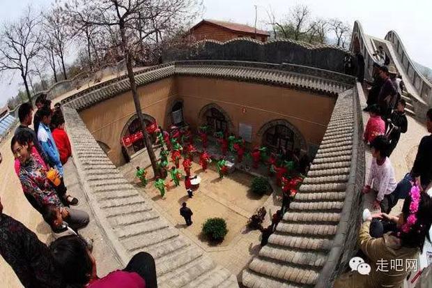 Ngôi làng kỳ lạ nhất Trung Quốc: Toàn bộ người dân đều sống dưới lòng đất - Ảnh 32.