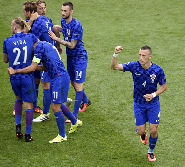 CH Czech 2-2 Croatia: Kịch tính tới phút chót - Ảnh 5.