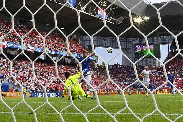 CH Czech 2-2 Croatia: Kịch tính tới phút chót - Ảnh 6.