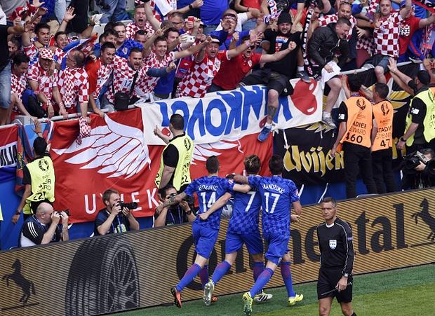 CH Czech 2-2 Croatia: Kịch tính tới phút chót - Ảnh 7.
