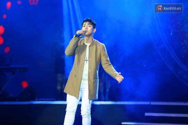 Hoài Lâm giành giải thưởng 500 triệu đồng của Bài hát yêu thích 2015 - Ảnh 2.