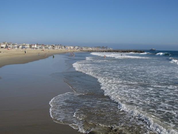 Vì sao có bãi biển nước trong vắt đẹp rực rỡ, biển khác lại đục ngầu? - Ảnh 2.