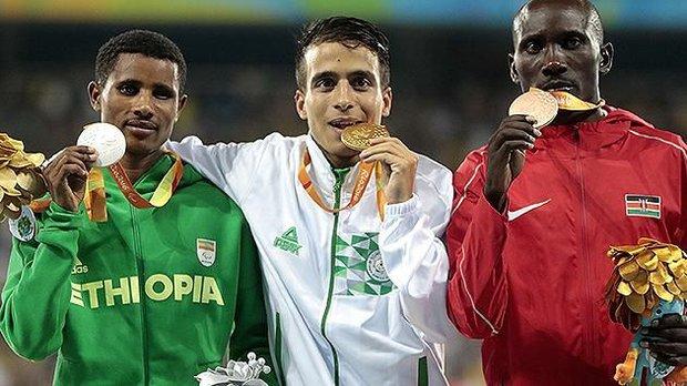 Sốc: VĐV khuyết tật chạy nhanh hơn cả nhà vô địch Olympic - Ảnh 2.