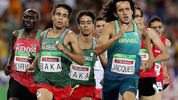 Sốc: VĐV khuyết tật chạy nhanh hơn cả nhà vô địch Olympic - Ảnh 4.