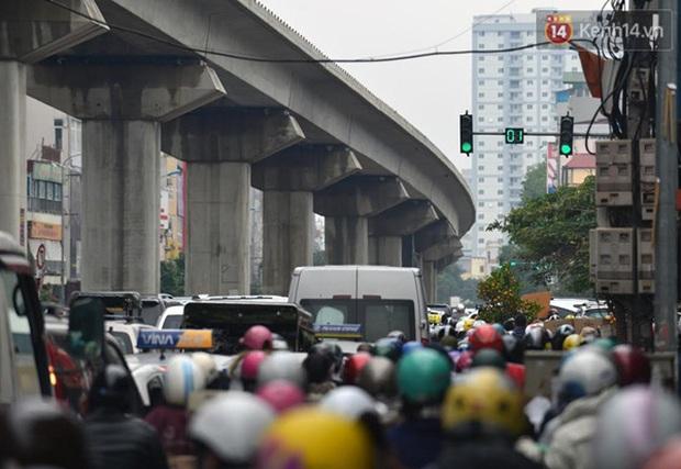 Ám ảnh tắc đường ở thủ đô những ngày giáp tết - Ảnh 14.